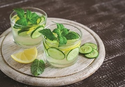Refreshing Cucumber and Lemon Water